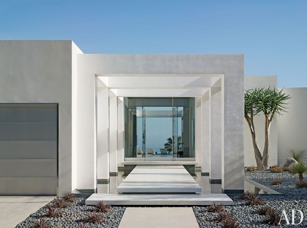 Modern Exterior by Magni Design in Beverly Hills, California