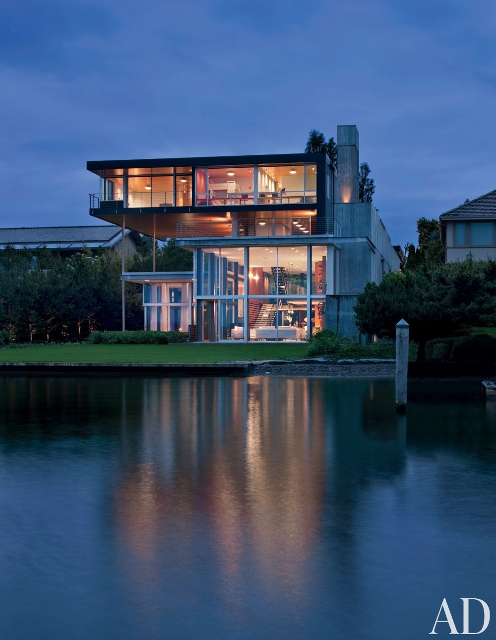 Modern Exterior by Stretch Design and E. Cobb Architects in Mercer Island, Washington