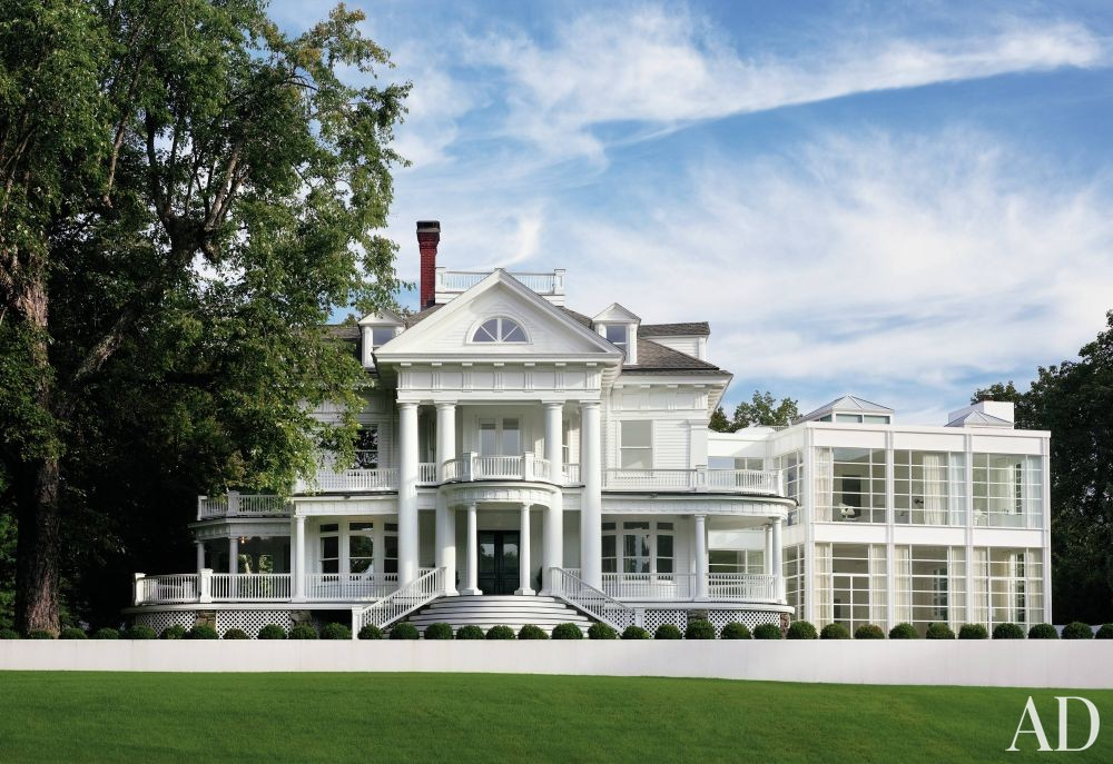 Modern Exterior by Victoria Hagan Interiors and Allan Greenberg Architect in Greenwich, Connecticut