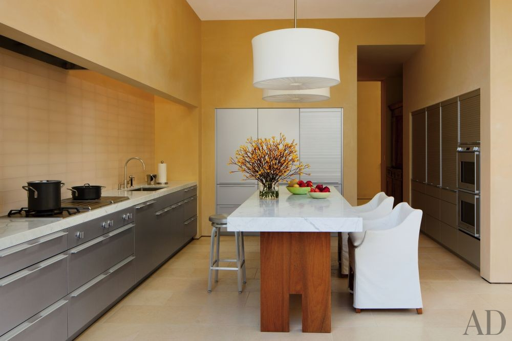 Modern Kitchen by April Powers and Backen, Gillam & Kroeger Architects in Woodside, California