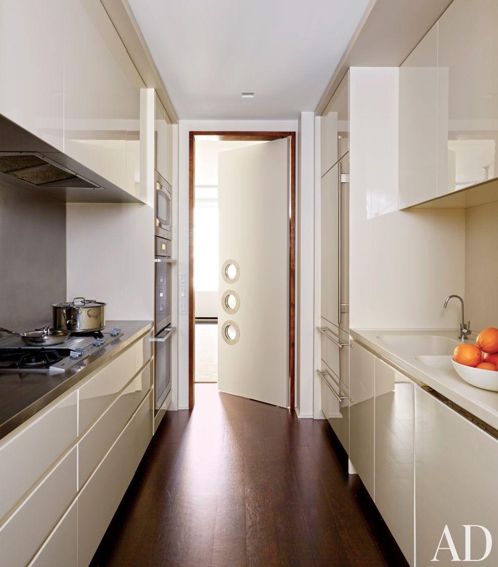 Modern Kitchen by D\'Apostrophe Design Inc. in New York, New York