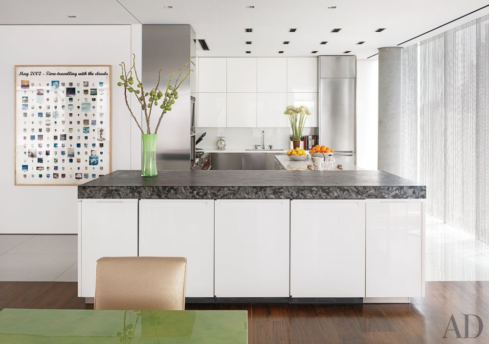 Modern Kitchen by Ingrao Inc. and Preston T. Phillips Architect in New York, New York