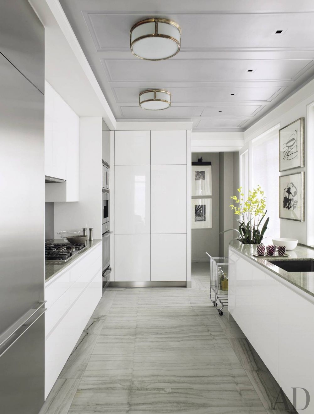 Modern Kitchen by Michael S. Smith Inc. and Ferguson & Shamamian Architects in New York City