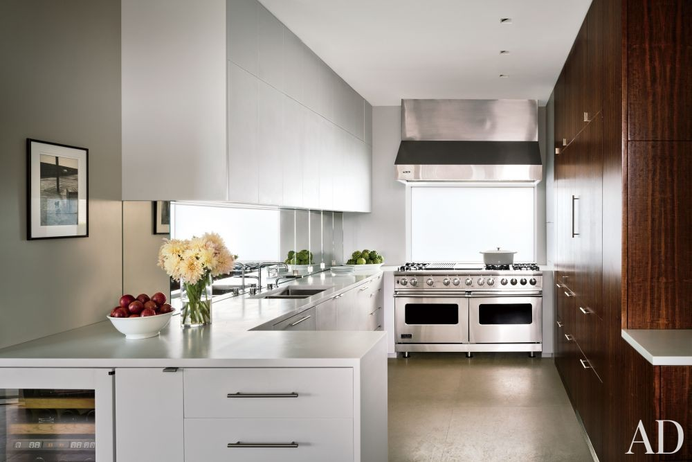 Modern Kitchen by Rees Roberts + Partners and Steven Harris Architects in New York, New York