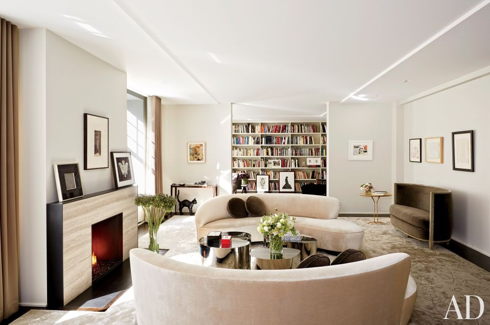 Modern Living Room by D\'Apostrophe Design Inc. in New York, New York