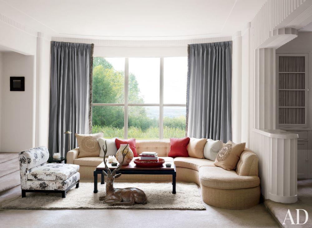 Liz O\'Brien\'s Modern Living Room by Joseph H. Cassone in Allentown, Pennsylvania
