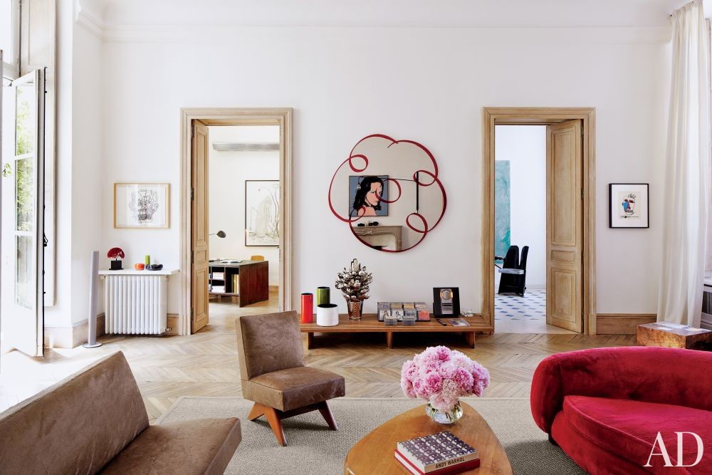 Modern Living Room in Paris, France