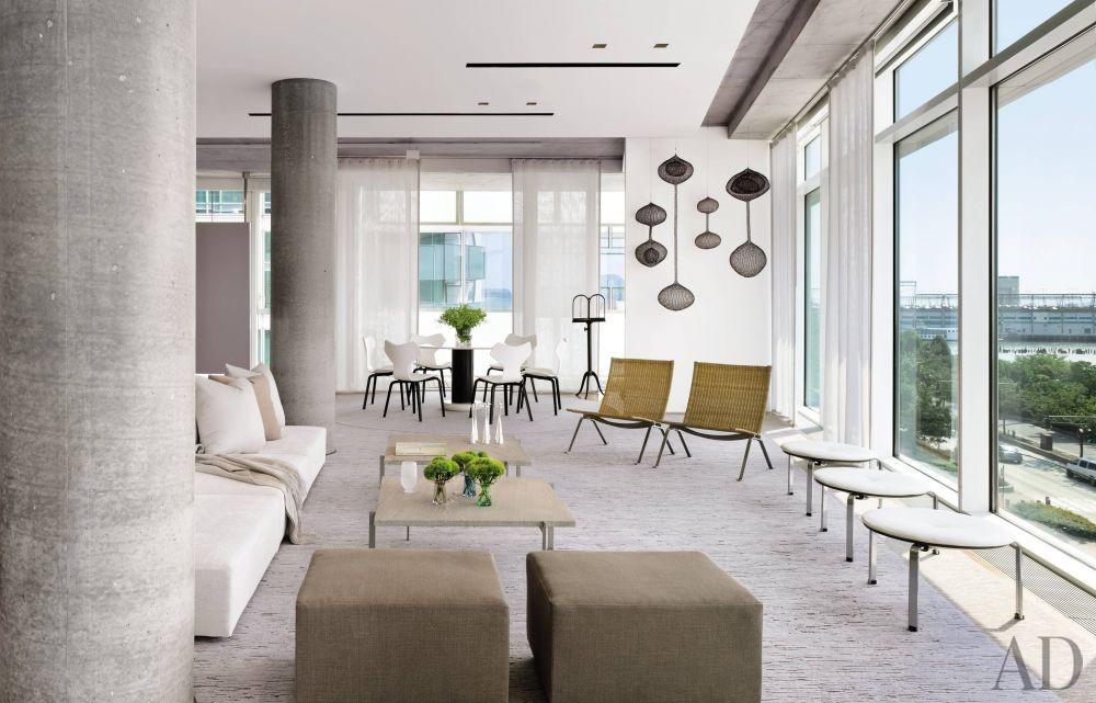 Modern Living Room by Shelton, Mindel & Associates in New York, New York