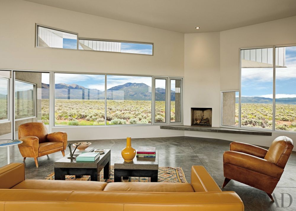 Modern Living Room and Antoine Predock in Taos, New Mexico