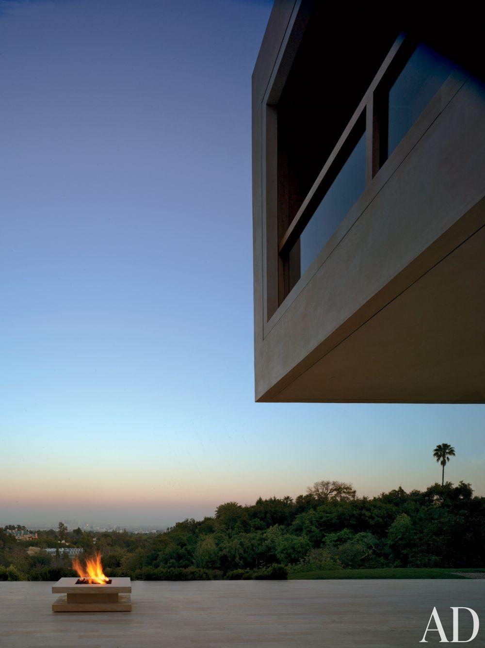 Modern Outdoor Space by John Pawson Ltd. and John Pawson Ltd. in Los Angeles, California