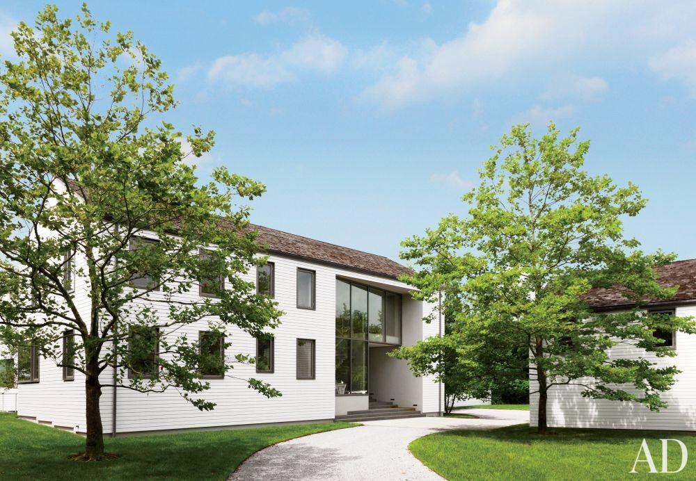 Modern Exterior by KA Design Group and Leroy Street Studio in East Hampton, New York