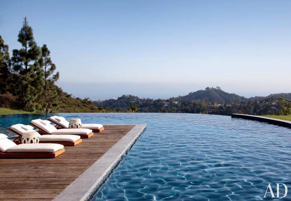 Modern Pool by Joan Behnke & Associates Inc. and Landry Design Group Inc. in Los Angeles, California