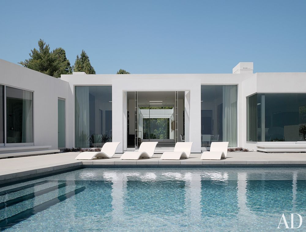 Modern Pool by Magni Design in Beverly Hills, California