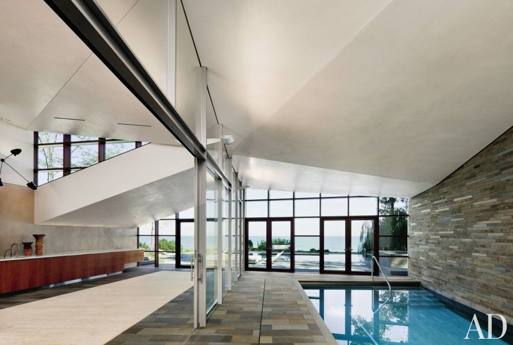 Modern Pool by Peter Gluck and Partners, Architects and Insight Environmental Design in Chicago