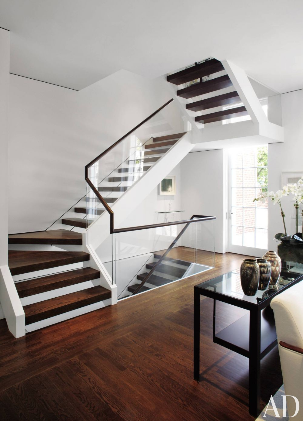 Modern staircase hallway by jacobsen architecture by for Modern house stairs