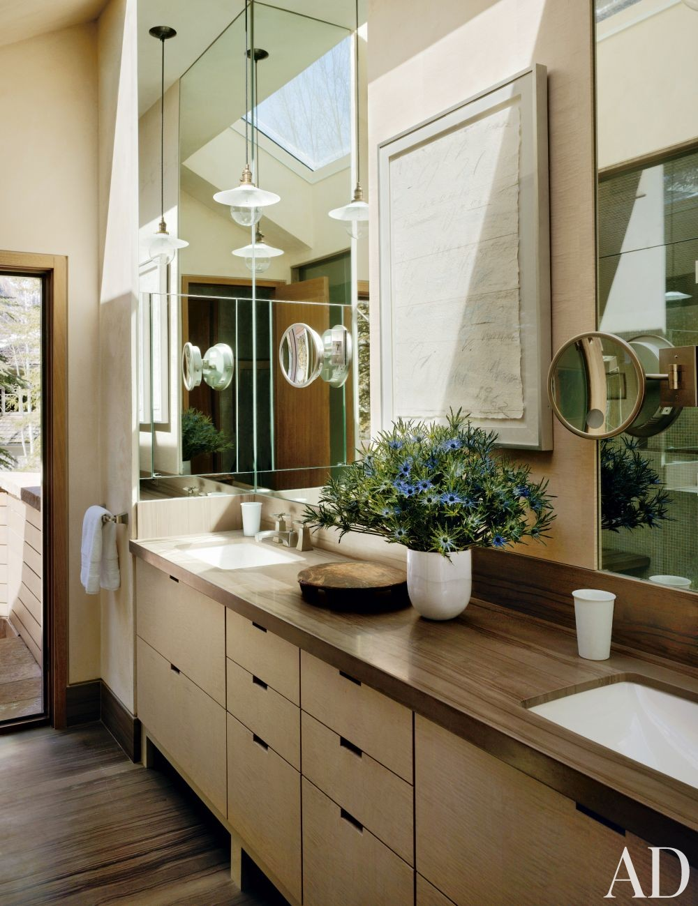 Rustic Bathroom by Stephen Sills Assoc. and Menendez Architects in Aspen, Colorado