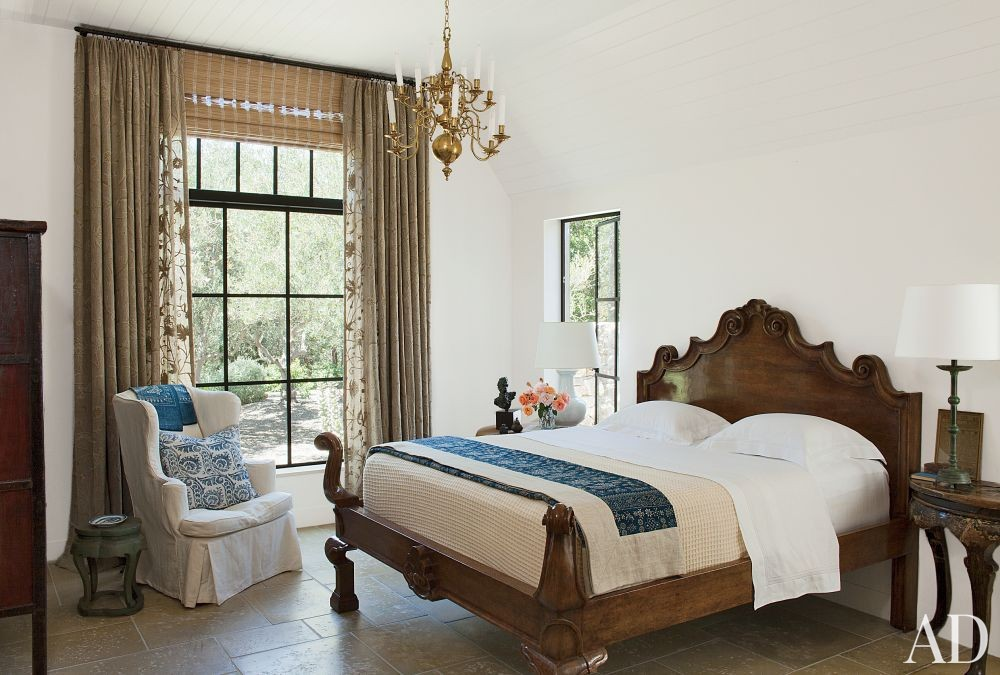 Rustic Bedroom by Rela Gleason and McAlpine Tankersley Architecture in Calistoga, California
