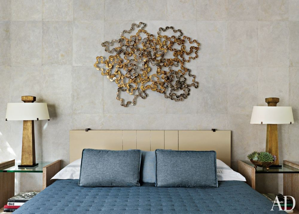 Rustic Bedroom by Stephen Sills Assoc. and Menendez Architects in Aspen, Colorado