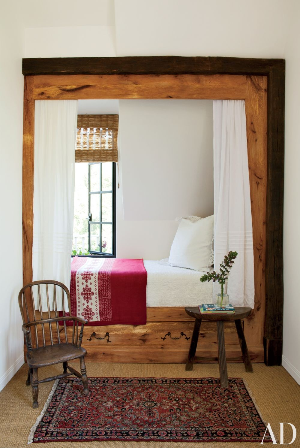 Rustic Children\'s Room by Rela Gleason and McAlpine Tankersley Architecture in Calistoga, California