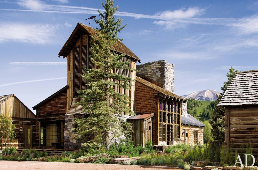 Rustic Exterior by Studio Sofield and Studio Sofield in Colorado