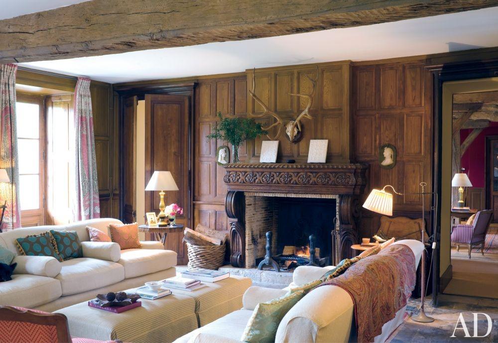 Rustic Living Room by Mlinaric, Hernry & Zervudachi in La Beauce, France