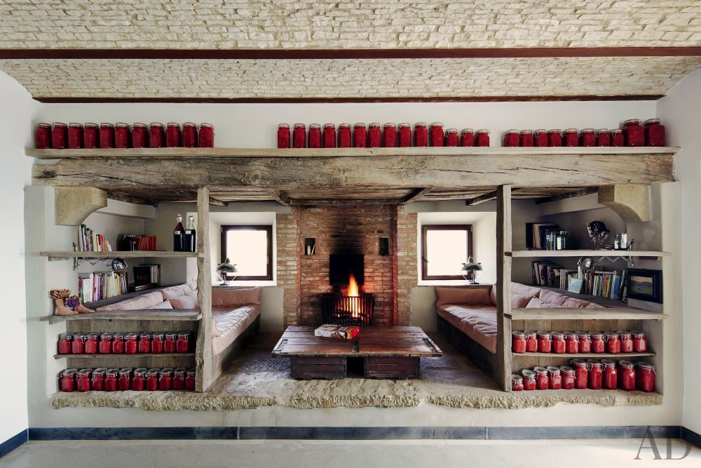 Rustic Living Room and Benedikt Bolza in Umbria, Italy
