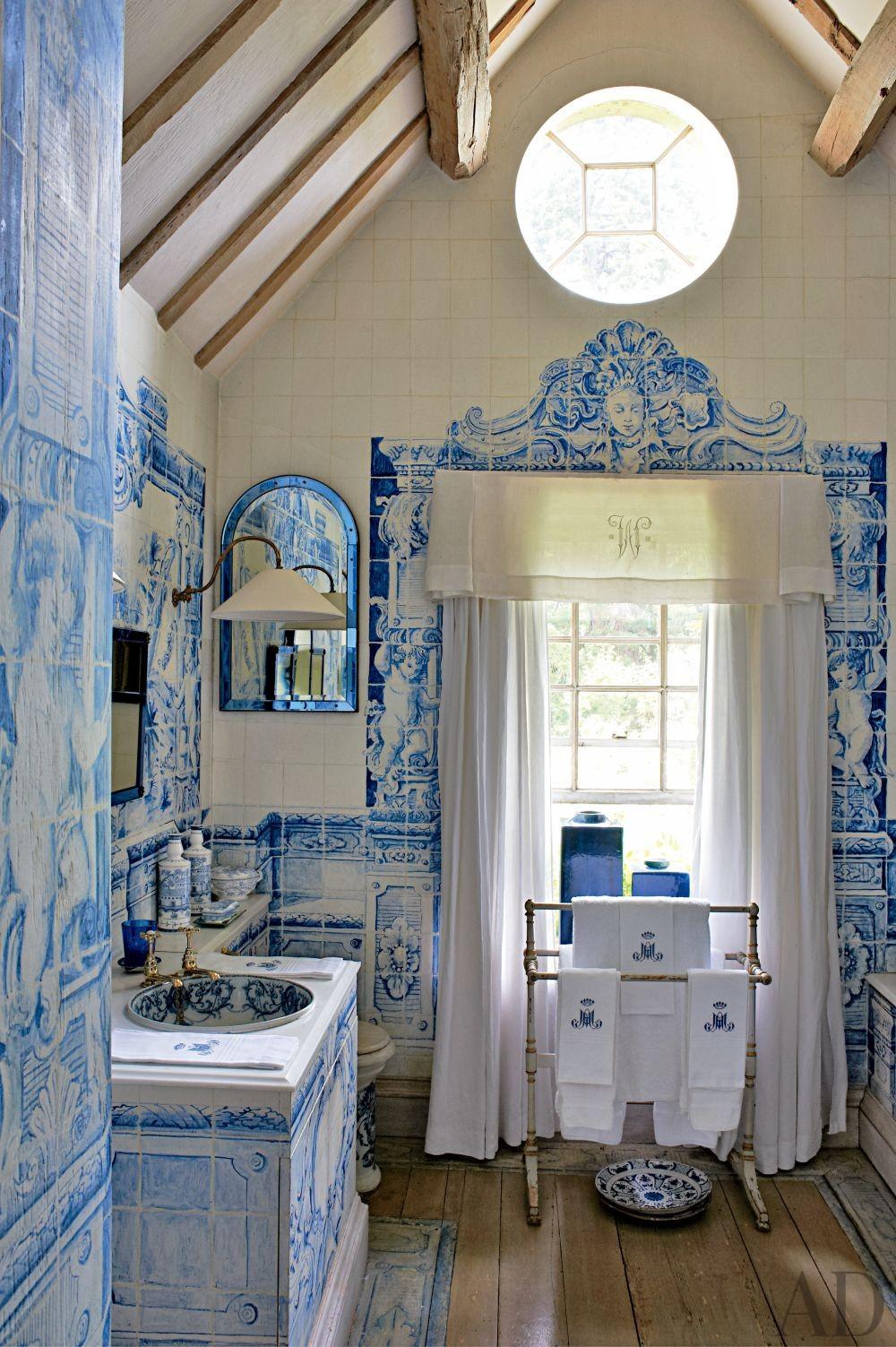 Traditional Bathroom by Anouska Hempel Design in Wiltshire, England