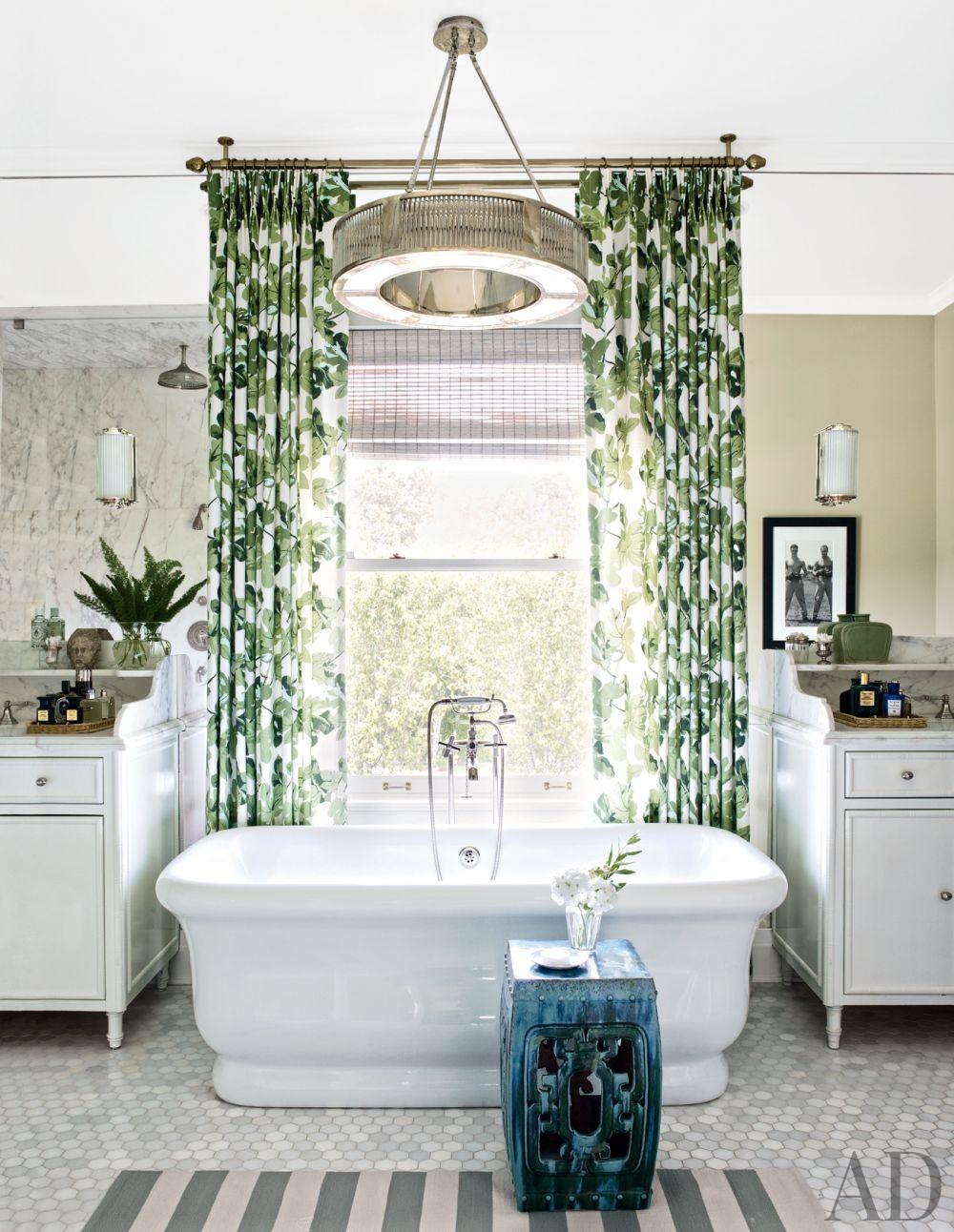 Traditional Bathroom in Los Angeles, California