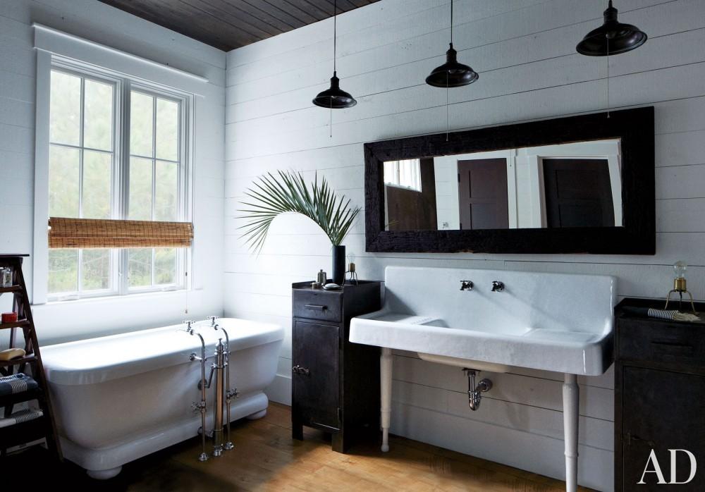 Traditional Bathroom by Monique Gibson Interior Design and Neil Gordon Architect in Daufuskie Island,South Carolina