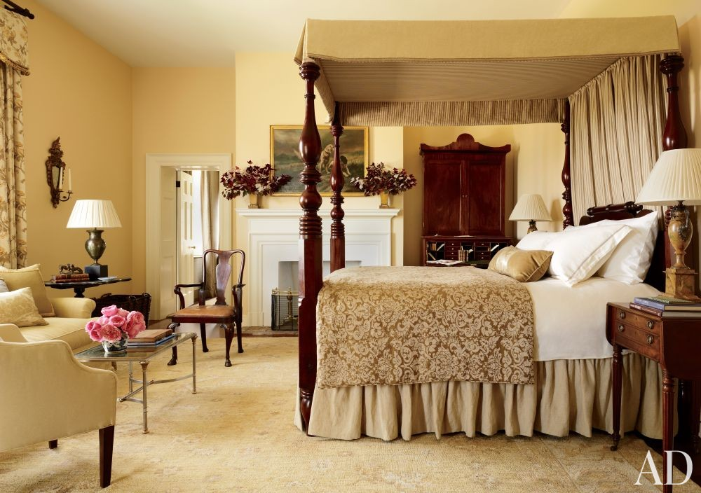 Traditional bedroom by amelia t handegan inc by for Decor valley international inc
