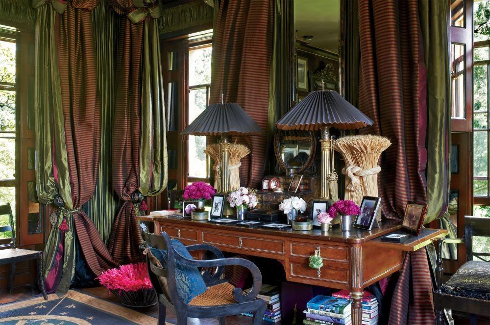 Traditional Bedroom by Anouska Hempel Design in Wiltshire, England