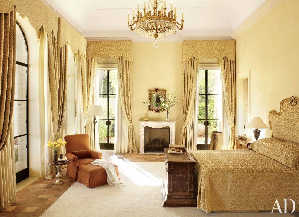 Traditional Bedroom by Atelier AM and William Hablinski Architect in Las Vegas, Nevada