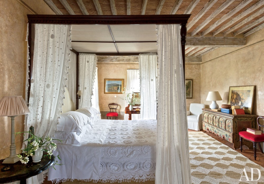Traditional Bedroom by Camilla Guinness and Bolko von Schweinichen in Tuscany, Italy