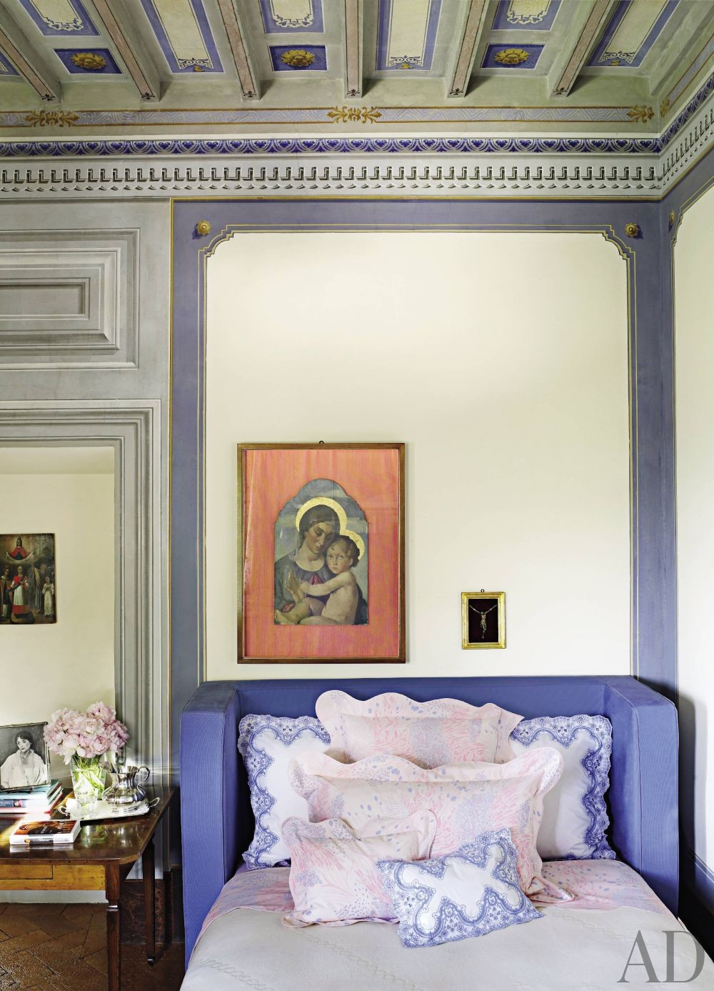 Traditional Bedroom by Dede Pratesi in Tuscany, Italy