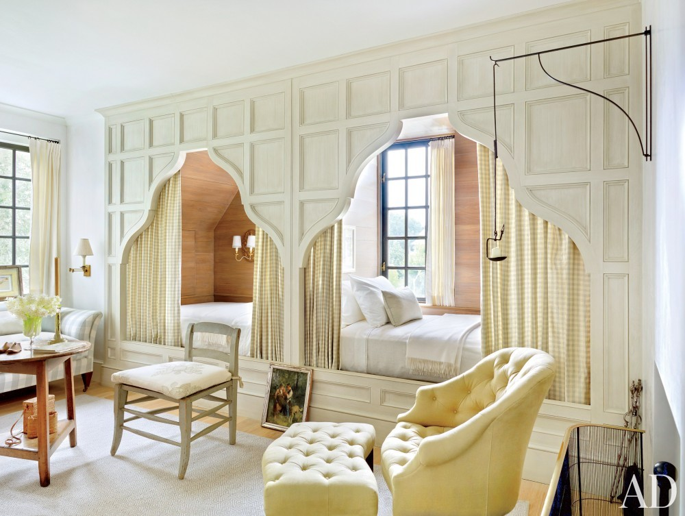 Traditional Bedroom by McAline Tankersley Architecture; McAlpine Booth & Ferrier Interiors and McAline Tankersley Architecture; McAlpine Booth & Ferrier Interiors in Baton Rouge, LA