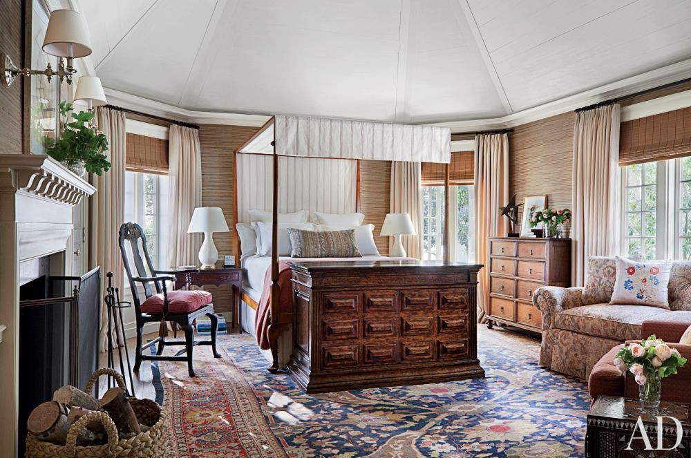 Traditional Bedroom by Michael S. Smith Inc. and Ferguson & Shamamian Architects in Beverly Hills, California