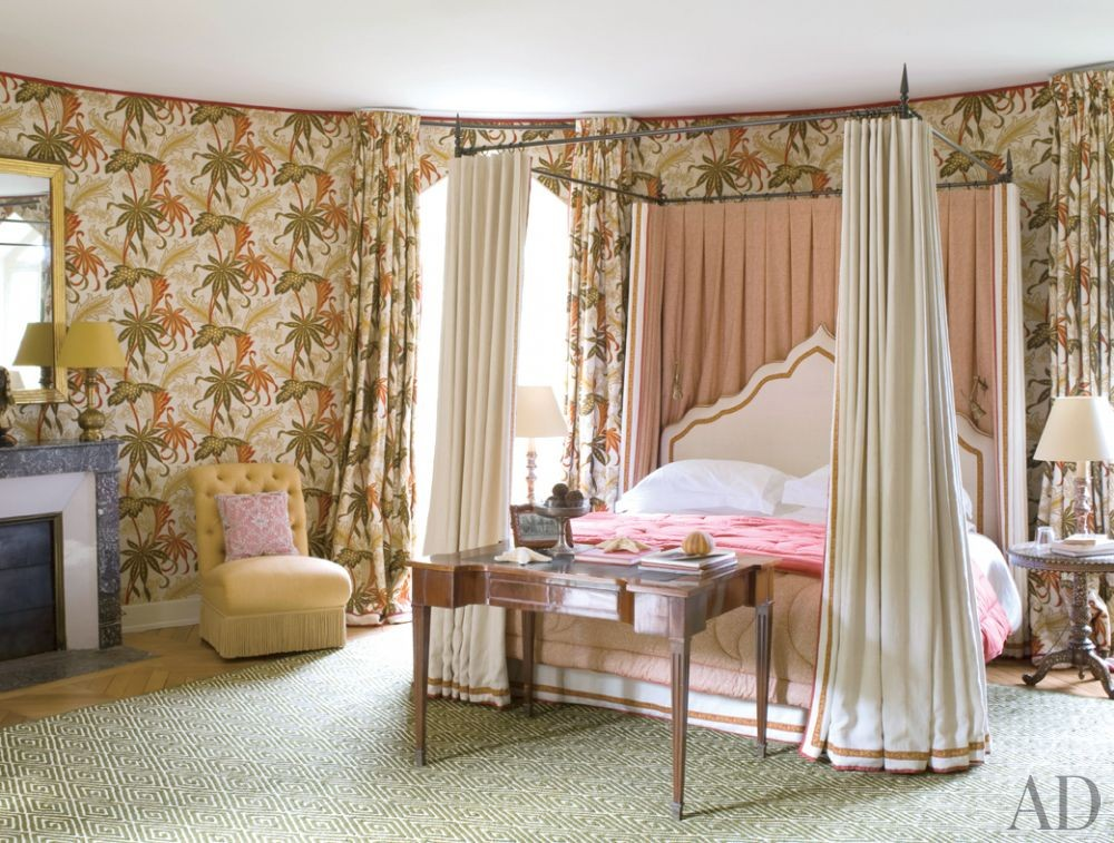 Traditional Bedroom by Mlinaric, Hernry & Zervudachi in La Beauce, France