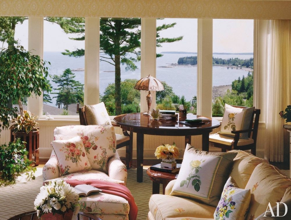 Traditional Bedroom in Penobscot Bay, Maine