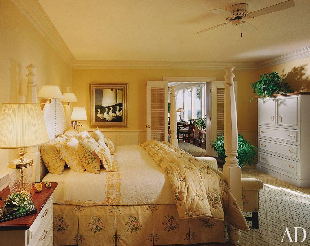 Traditional Bedroom in Penobscot Bay, Maine