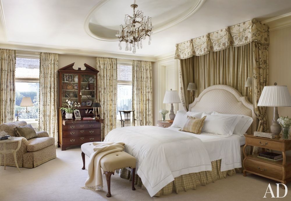 Traditional Bedroom by Tucker & Marks and Andrew Skurman Architects in San Francisco, California