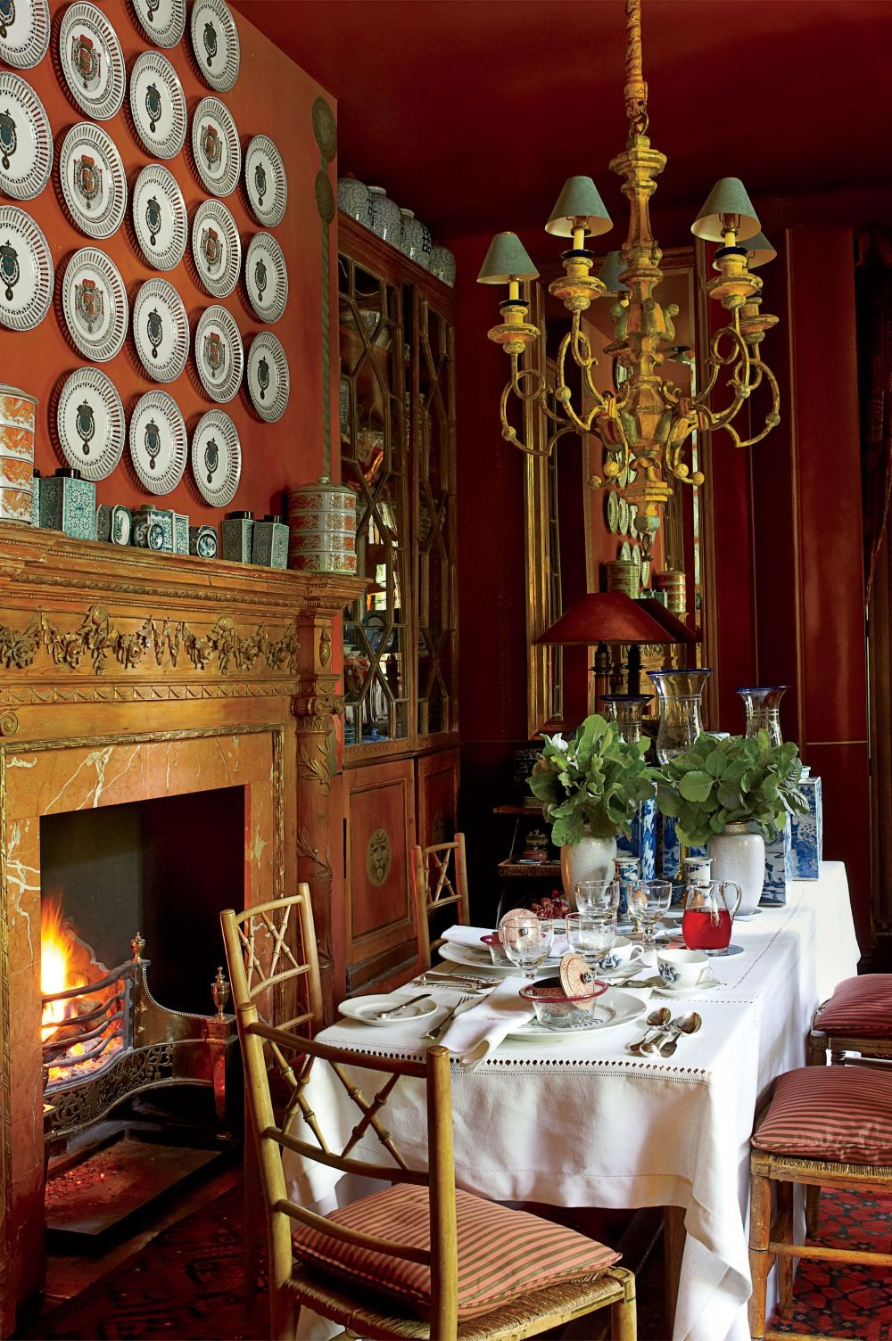 Traditional Dining Room by Anouska Hempel Design in Wiltshire, England