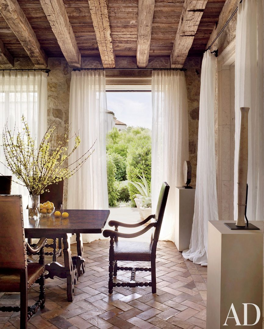 Traditional Dining Room by Atelier AM and William Hablinski Architect in Las Vegas, Nevada