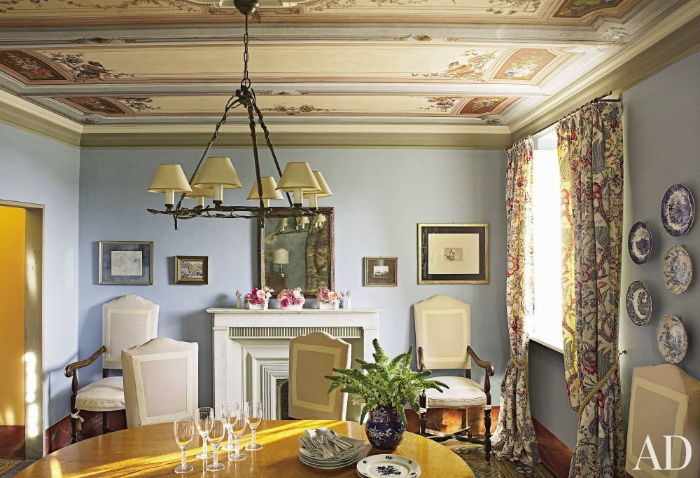 Traditional Dining Room by Dede Pratesi in Tuscany, Italy