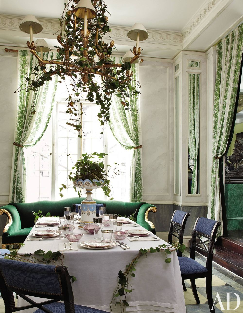Traditional Dining Room by Jean-Paul Beaujard in New York, New York