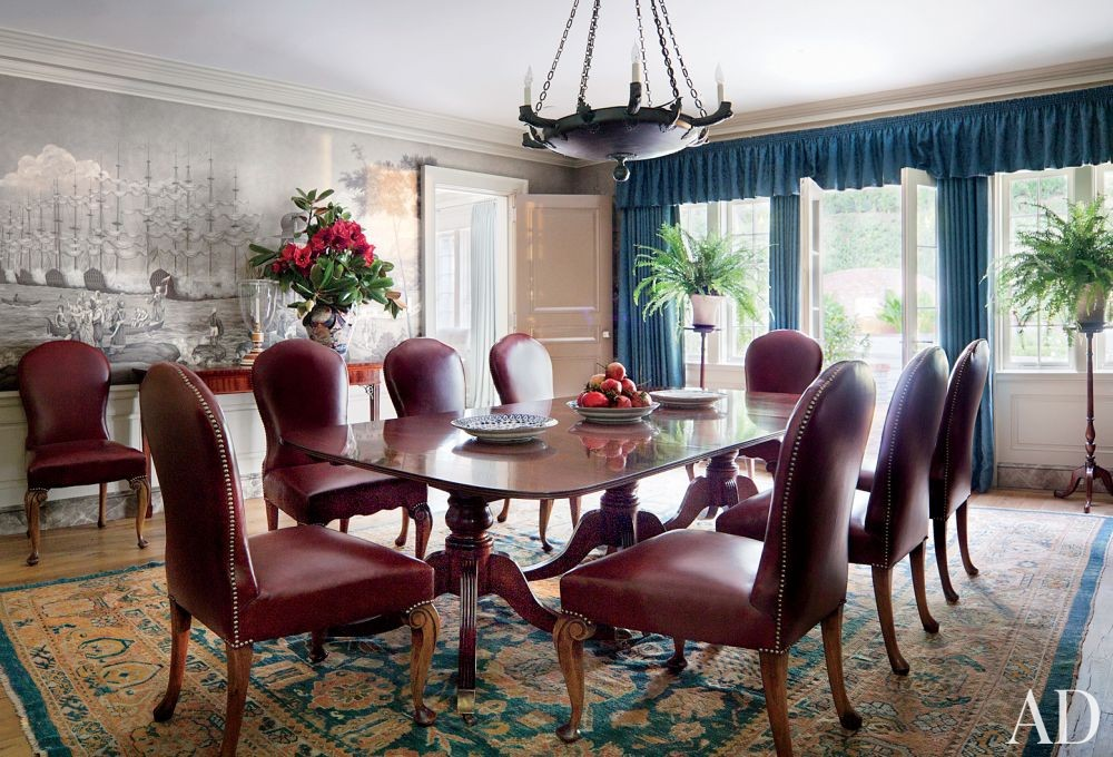 Traditional Dining Room by Michael S. Smith Inc. and Ferguson & Shamamian Architects in Beverly Hills, California