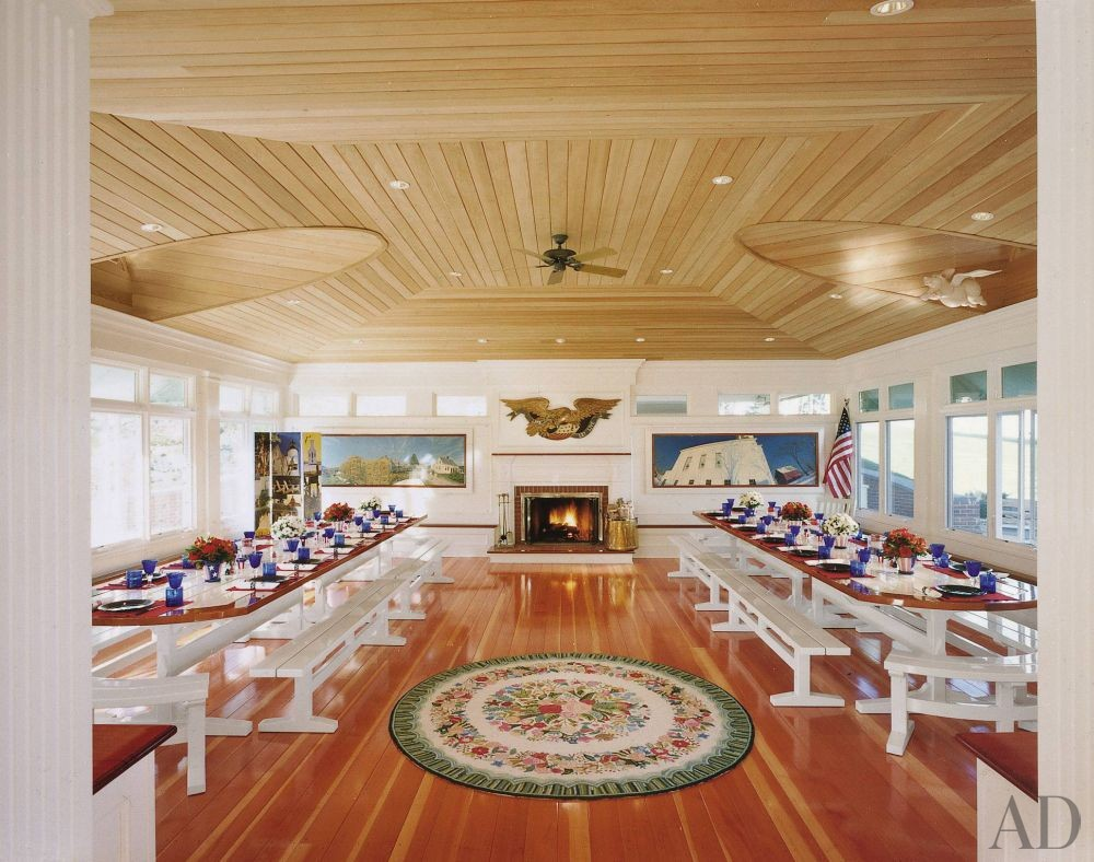 Traditional Dining Room in Penobscot Bay, Maine