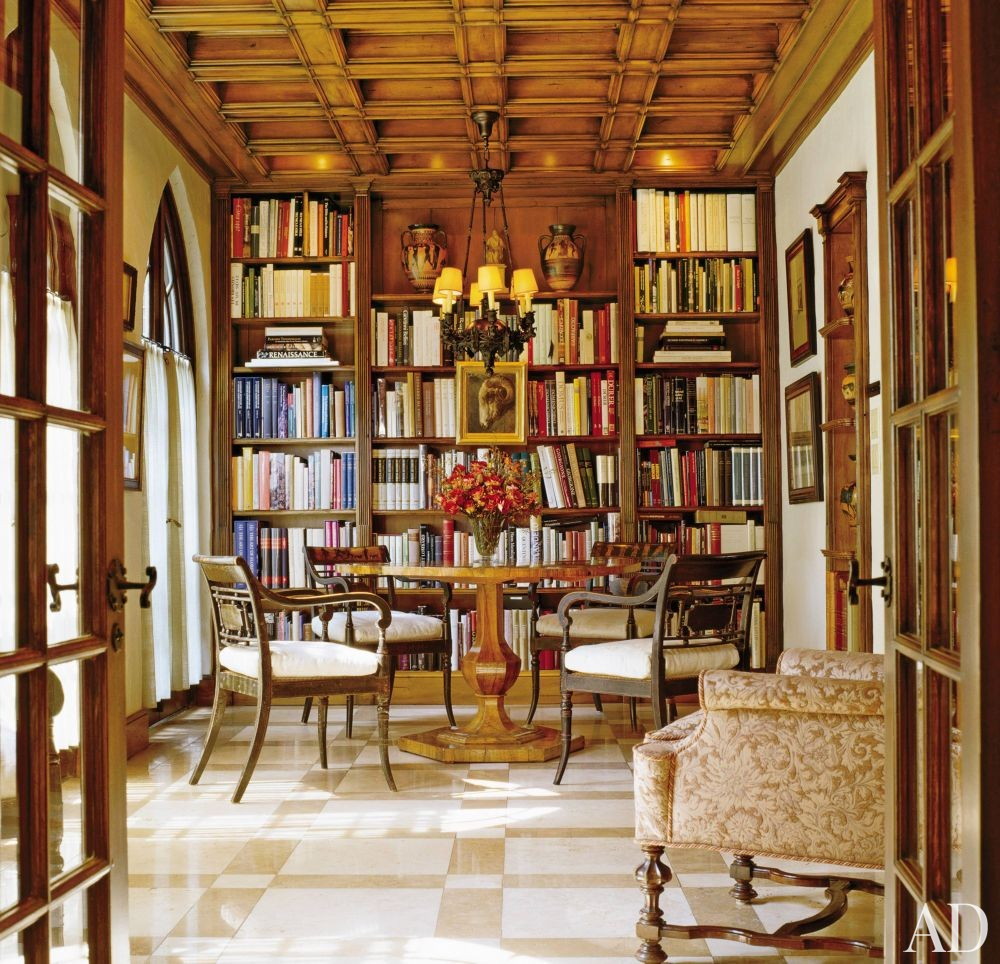 Traditional Dining Room: Traditional Dining Room By Solís Betancourt By