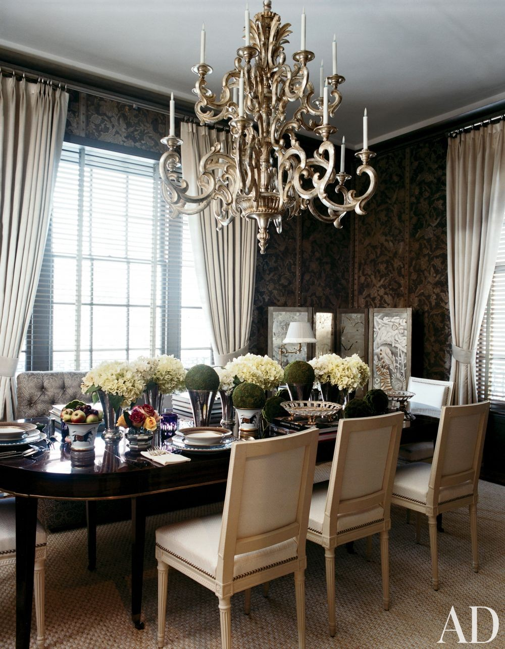 Traditional Dining Room by Stephen Sills Associates in New York, New York