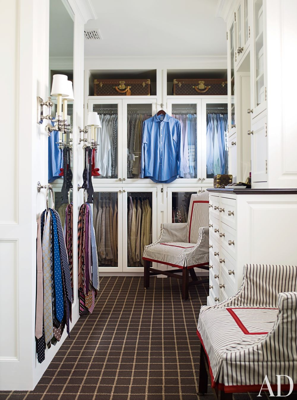 Traditional Dressing Room/Closet by J. Randall Powers in Houston, Texas