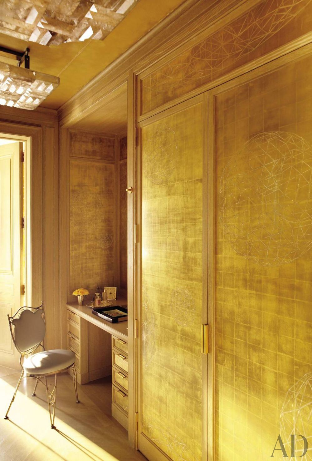 Traditional Dressing Room/Closet by Michael S. Smith Inc. and Ferguson & Shamamian Architects in New York City